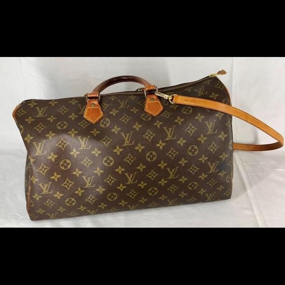 b72e907f49c Louis Vuitton Handbags - Louis Vuitton Speedy 40 with Strap